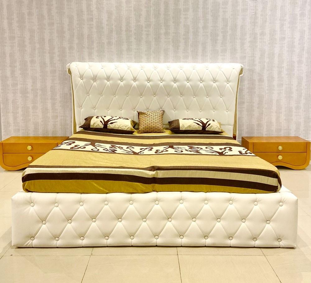 Belle Bed With Nightstands