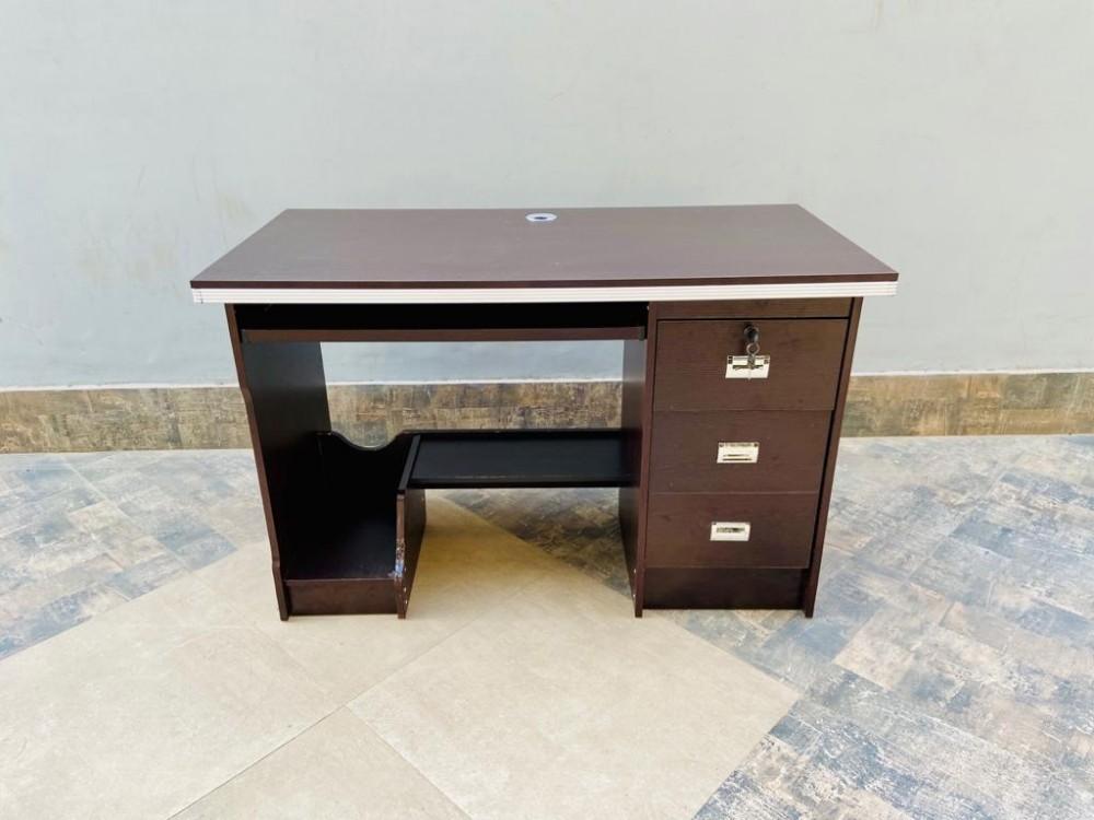 NEXA COMPUTER TABLE